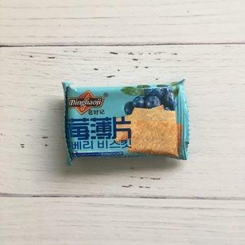 Корейский крекер со вкусом голубики, 20 гр.